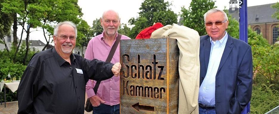 Peter Hahnen-Leiter des Zentrums Kloster Kamp_Thomas Berger-Sponsor und Hersteller_Albert Pellkofer-Schatzmeister Trägerverein_Foto-Michels