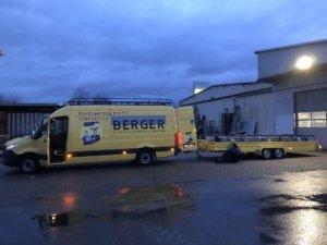 Bergers Monteurfahrzeug mit Anhänger